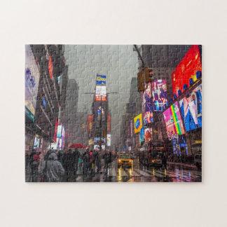 Quebra-cabeça Times Square chuvoso