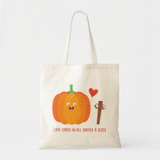 Queda do amor da especiaria da abóbora com o bolsa