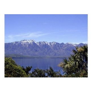 Queenstown, montanhas de NZ & cartão da natureza