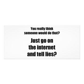 Quem espalha mentiras no Internet? 10.16 X 22.86cm Panfleto