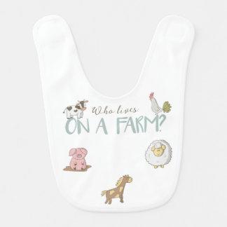 Quem vive em um babador do bebê da fazenda