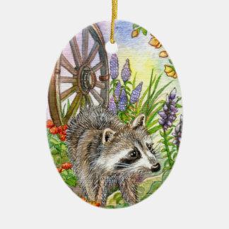 Racoon pelo jardim ornamento de cerâmica oval