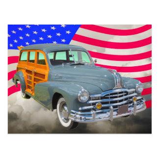 Raia 1948 de prata de Pontiac arborizado e bandeir Cartão Postal