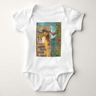 Rapunzel, sonhando camiseta