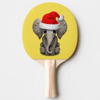 Raquete De Ping Pong Elefante do bebê que veste um chapéu do papai noel