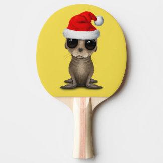 Raquete De Ping-pong Leão de mar do bebê que veste um chapéu do papai