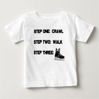 Rastejamento, caminhada, HÓQUEI! Camiseta Para Bebê