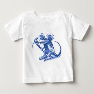 rato com o azul duro da prancha camiseta para bebê