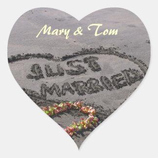 Recem casados adesivo coração