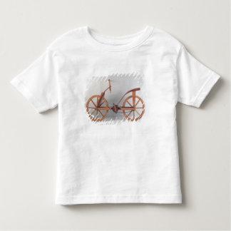 Reconstrução do design de da Vinci Tshirt