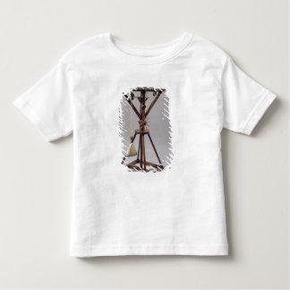 Reconstrução do design de da Vinci Tshirts
