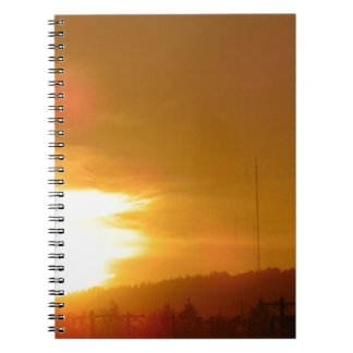 Redemoinho alaranjado cadernos