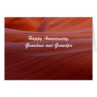 Redemoinho feliz da garganta da avó e do vovô do cartão comemorativo
