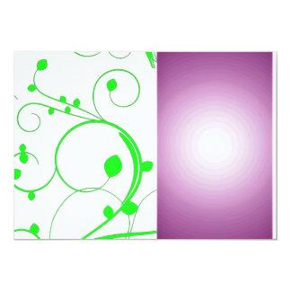 Redemoinhos esverdeados bonitos e textura roxa convite