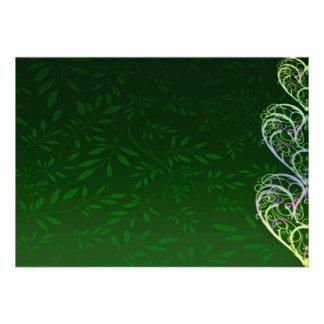 Redemoinhos esverdeados de inspiração e folhas convite personalizado