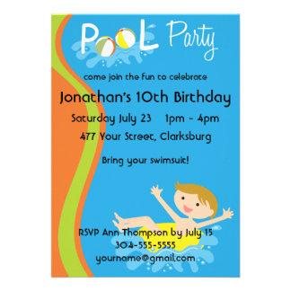 Redhead do menino da festa na piscina convite personalizados