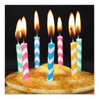 Refeição matinal do pequeno almoço do aniversário convite quadrado 13.35 x 13.35cm