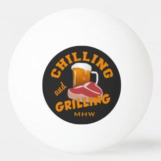Refrigerando & grelhando bolas de pingpong feitas