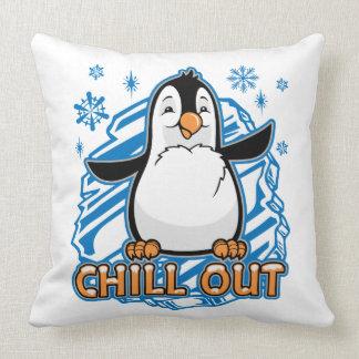 Refrigere para fora o pinguim almofada