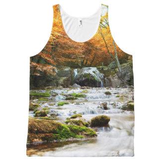 Regata Com Estampa Completa Cachoeira da floresta do outono por todo o lado na
