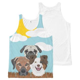 Regata Com Estampa Completa Cães afortunados da ilustração em uma cerca de