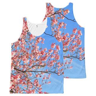 Regata Com Estampa Completa Flor de cerejeira cor-de-rosa no azul, impressão