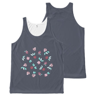 Regata Com Estampa Completa Flores do trevo por todo o lado na camisola de