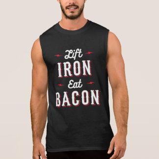 Regata O ferro do elevador come o bacon