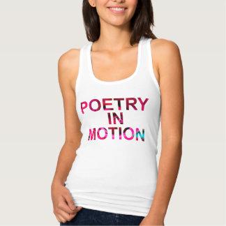 Regata Poesia na camisola de alças cabida movimento