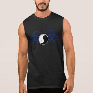 Regata Yin branco Yang com um design tribal azul 2 do