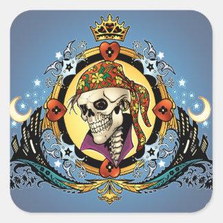 Rei Crânio Pirata com corações pelo Al Rio Adesivo Em Forma Quadrada