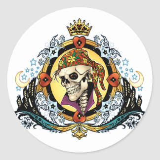 Rei Crânio Pirata com corações pelo Al Rio Adesivos Em Formato Redondos