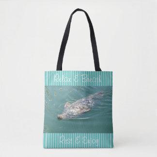 Relaxe a bolsa de praia com selos bonitos e
