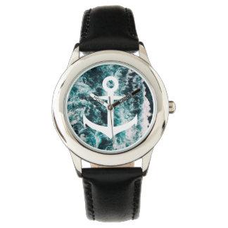 Relógio Âncora náutica no fundo da foto do oceano