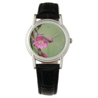Relógio Apple cor-de-rosa floresce