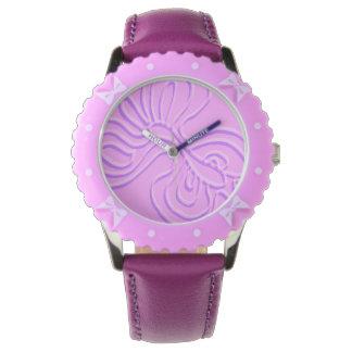 """Relógio """"Arco-íris gravado roxo"""" Flutterfly"""