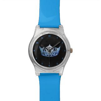 Relógio azul da senhorita América coroa o 28 de