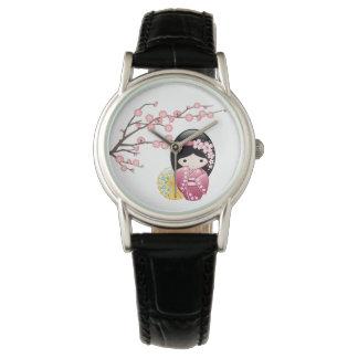 Relógio Boneca de Kokeshi do primavera - menina de gueixa