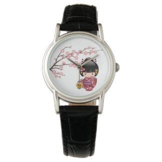 Relógio Boneca de Sakura Kokeshi - menina de gueixa