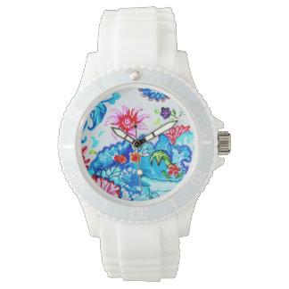 Relógio branco com design da folha do tabaco
