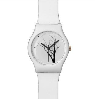 Relógio branco da árvore do outono