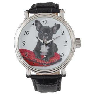 Relógio Buldogue preto e branco Terrier no travesseiro