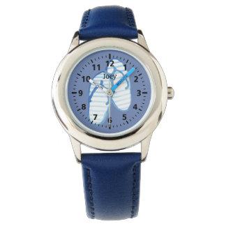 Relógio Chinelos listrados azuis no azul personalizado
