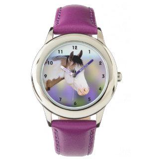 Relógio colorido dos miúdos do cavalo da pintura