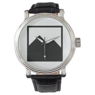Relógio com modelo preto da correia de couro
