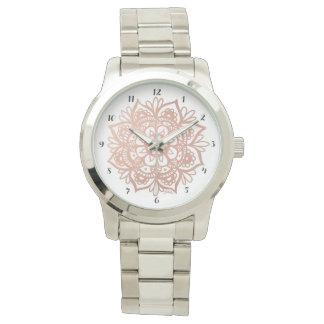 Relógio cor-de-rosa da mandala do ouro