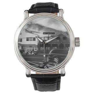 Relógio da foto da ilha de Kelley preto & branco,