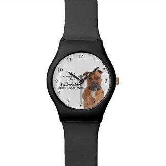 Relógio da mamã de Staffie