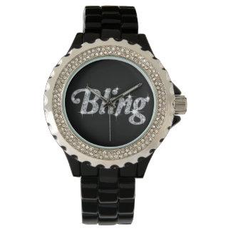 Relógio de Diamonte que caracteriza o design bling