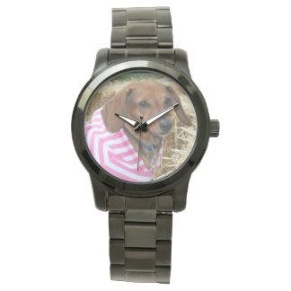Relógio de forma desproporcionado do cão do